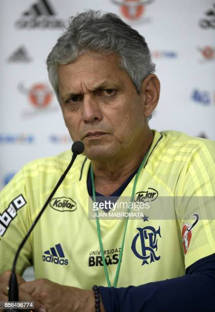 Brazil's Flamengo coach Reinaldo Rueda of Colombia gestures during a press conference in Buenos Aires on December 5 2017 on the eve of the Copa...
