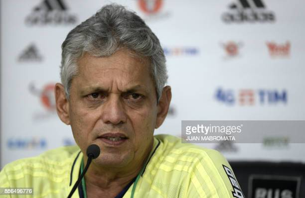 Brazil's Flamengo coach Reinaldo Rueda of Colombia talks to journalists during a press conference in Buenos Aires on December 5 2017 on the eve of...