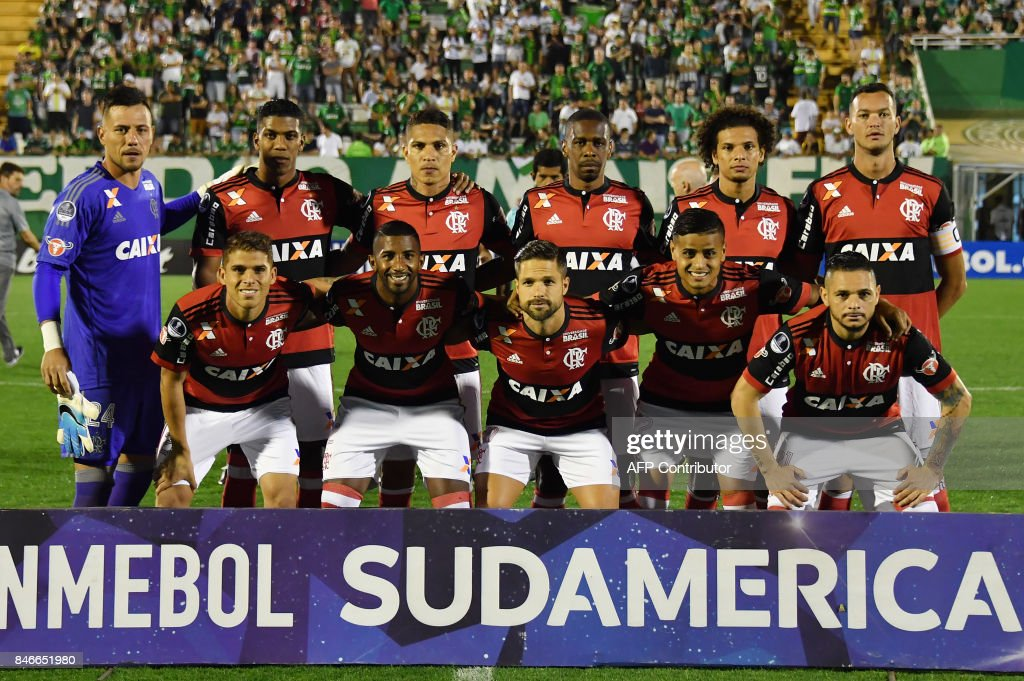 Brazil's Flamengo team pose for pictures before the start of the 2017 Copa Sudamericana football match against Brazils Chapecoense held at Arena Conda stadium, in Chapeco, Brazil on September 13, 2017. /