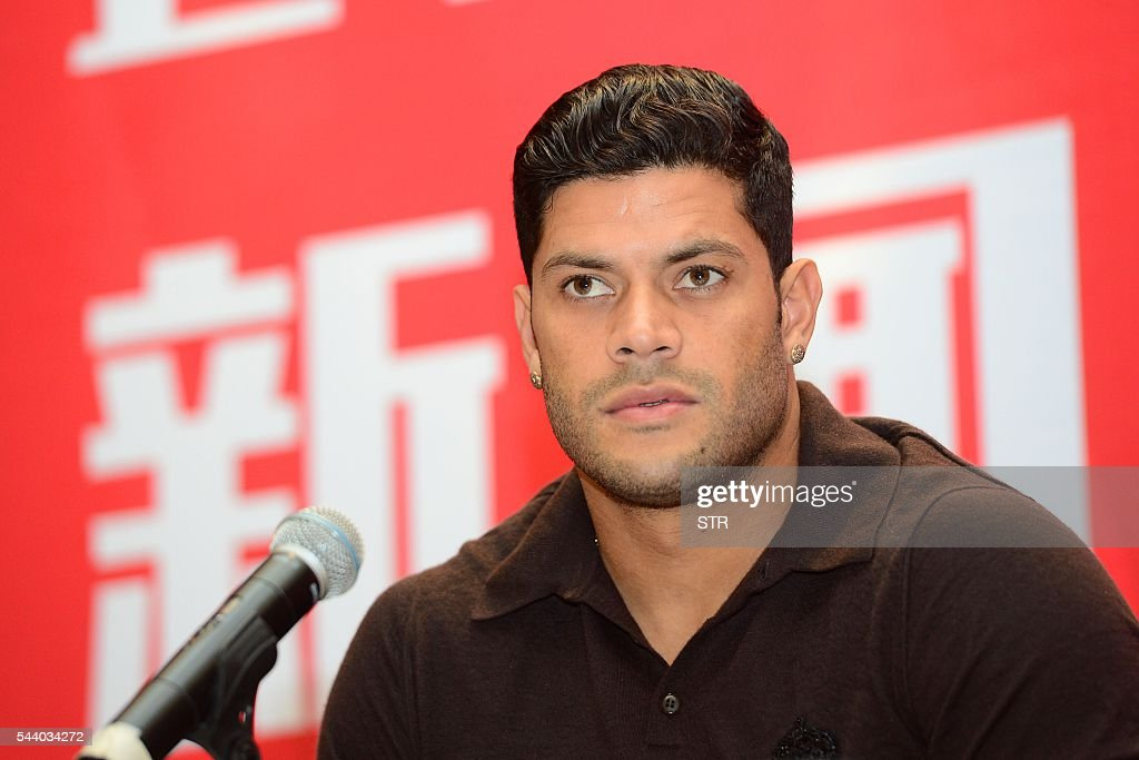 Brazil's Hulk attends a press conference for joining Shanghai SIPG Football Club in Shanghai on July 1, 2016. Zenit St Petersburg's Brazilian international Hulk arrived in Shanghai on June 29 to sign for Sven-Goran Eriksson's Shanghai SIPG team, as the cash-flush Chinese Super League embarks on a new round of transfer spending. / AFP / STR / China OUT