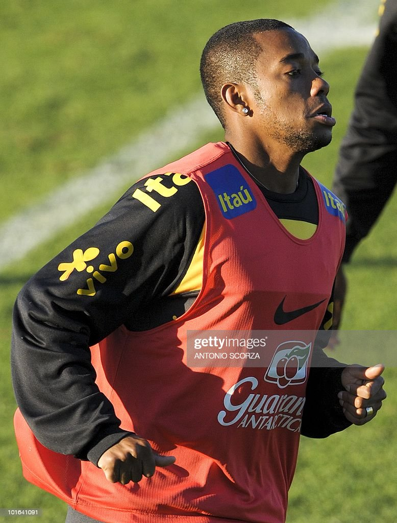 Brazil's player Robinho runs during a training session at the Randburg High School on June 5, 2010 in Johannesburg. The team is preparing to compete in the 2010 World Cup in South Africa. AFP PHOTO / ANTONIO