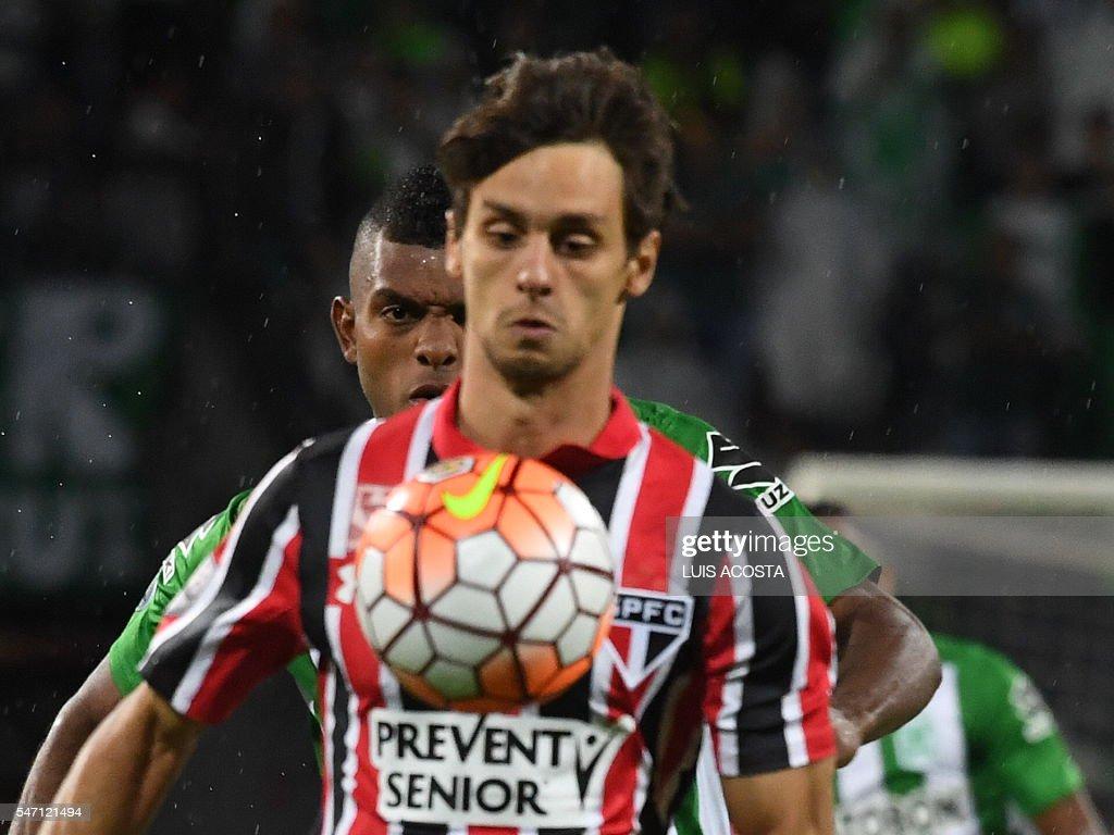 Brazils Sao Paulo player Rodrigo Caio front and Colombia s