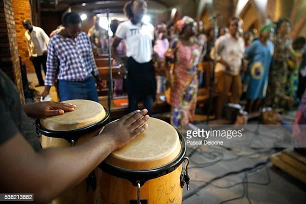 Brazzaville. St Anne's Basilica. Choir.