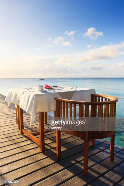 Desayuno en una mañana en la Polinesia complejo turístico Tropical de lujo