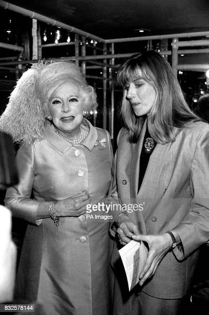Breakfast Time presenter Selina Scott chatting with Barbara Cartland during a Foyles Literary Lunch held at the Dorchester Hotel in London