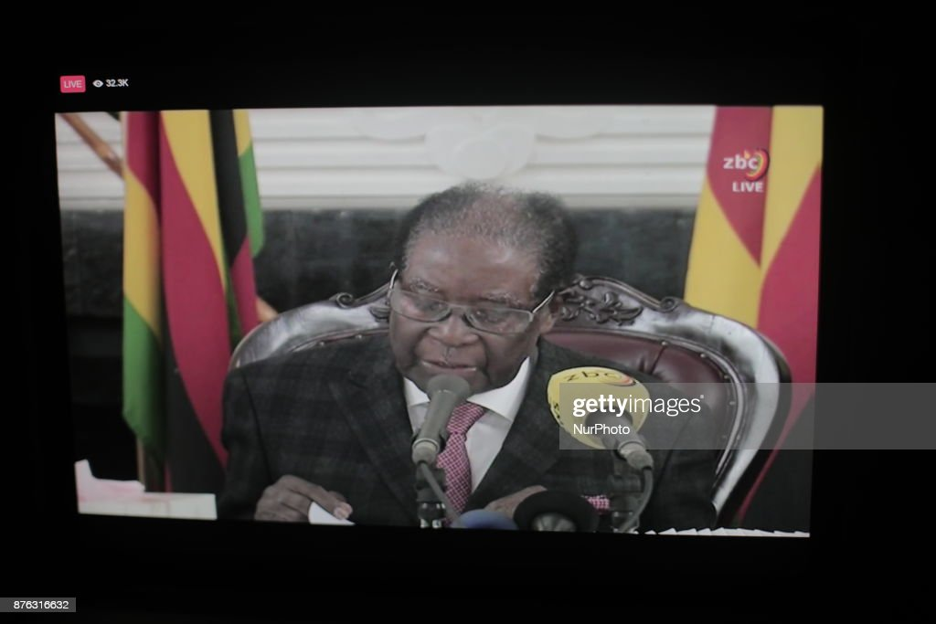 Zimbabwean President Mugabe says he will remain president