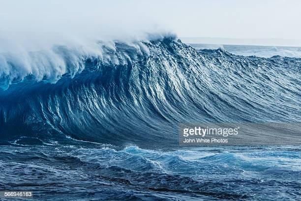 Breaking wave. Southern Ocean. Australia.