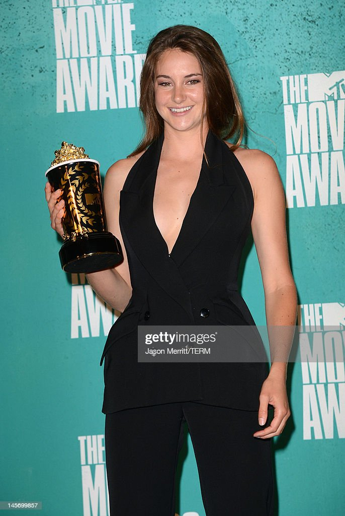 Breakthrough Performance winner Shailene Woodley poses in the press room during the 2012 MTV Movie Awards held at Gibson Amphitheatre on June 3 2012...