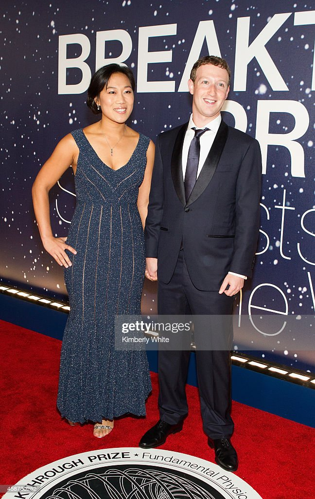 Breakthrough Prize CoFounders Priscilla Chan and Mark Zuckerberg attend the Breakthrough Prize Awards Ceremony Hosted By Seth MacFarlane at NASA Ames...