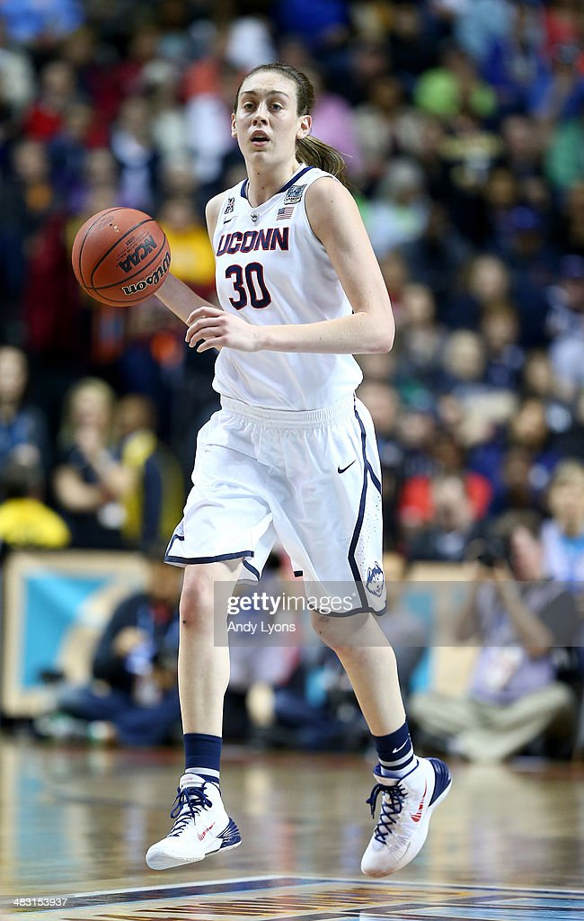 <a gi-track='captionPersonalityLinkClicked' href=/galleries/search?phrase=Breanna+Stewart&family=editorial&specificpeople=8564806 ng-click='$event.stopPropagation()'>Breanna Stewart</a> #30 of the Connecticut Huskies handles the ball in the first half against the Stanford Cardinal during the NCAA Women's Final Four semifinal at Bridgestone Arena on April 6, 2014 in Nashville, Tennessee.