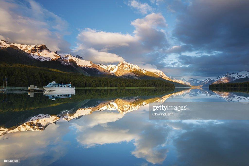 Breathtaking Maligne Lake Sunset
