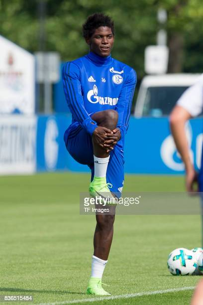 Breel Embolo of Schalke waermt sich auf during a training session at the FC Schalke 04 Training center on July 5 2017 in Gelsenkirchen Germany