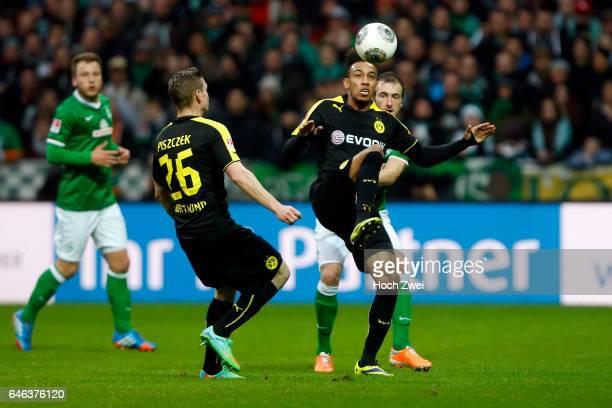 Bremen 8 Februar 2014 Fußball 1 Bundesliga 2013/14 SV Werder Bremen Borussia Dortmund Lukasz Piszczek PierreEmerick Aubameyang Luca Caldirola // ©...