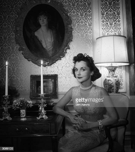 Brenda Diana Duff Frazer Kelly ChatfieldTaylor a prominent member of New York society and as Diana Frazier one of the 'Glamour Debutantes' of 1938 A...