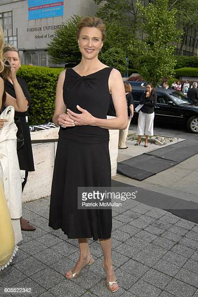 Brenda Strong attends ABC Television Network Upfront Arrivals at Lincoln Center on May 16 2006 in New York City