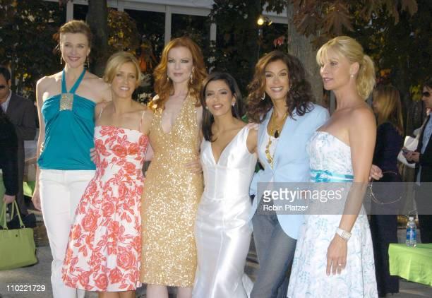 Brenda Strong Felicity Huffman Marcia Cross Eva Longoria Teri Hatcher and Nicollette Sheridan of 'Desperate Housewives'