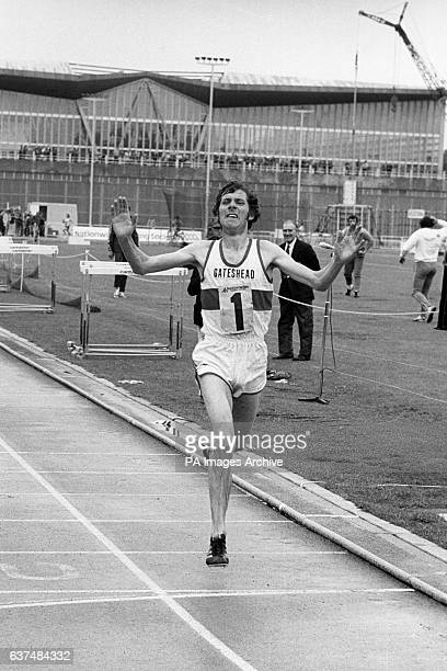 Brendan Foster winning the men's 5000 metres