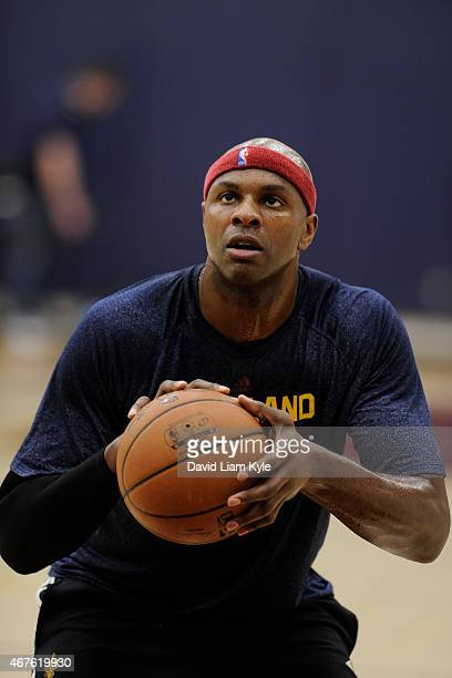 Brendan Haywood of the Cleveland Cavaliers practices during an allaccess event on March 19 2015 in Cleveland Ohio NOTE TO USER User expressly...