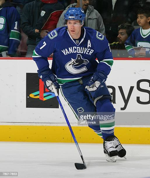 brendan-morrison-of-the-vancouver-canuck