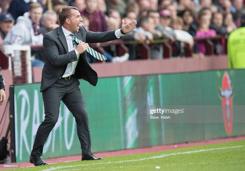 Brendan Rodgers manager of Celtic shouts out his orders to his players during the Ladbrokes Scottish Premiership match between Hearts and Celtic on August 7, 2016 in Glasgow, Edinburgh.