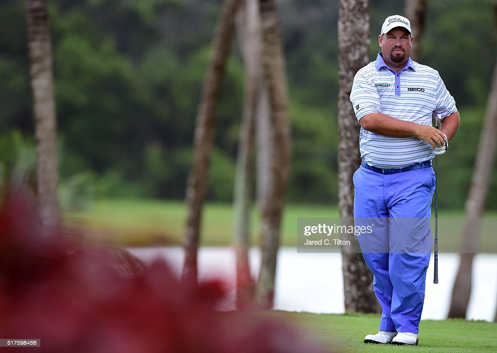 Brendon de Jonge of Zimbabwe prepares to tee off on the third hole during the third round of the Puerto Rico Open at Coco Beach on March 26 2016 in...