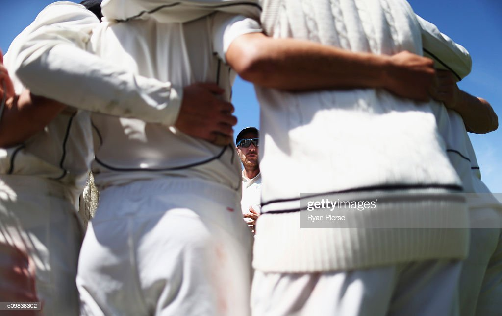 <a gi-track='captionPersonalityLinkClicked' href=/galleries/search?phrase=Brendon+McCullum&family=editorial&specificpeople=208154 ng-click='$event.stopPropagation()'>Brendon McCullum</a> of New Zealand addresses his team during day two of the Test match between New Zealand and Australia at Basin Reserve on February 13, 2016 in Wellington, New Zealand.