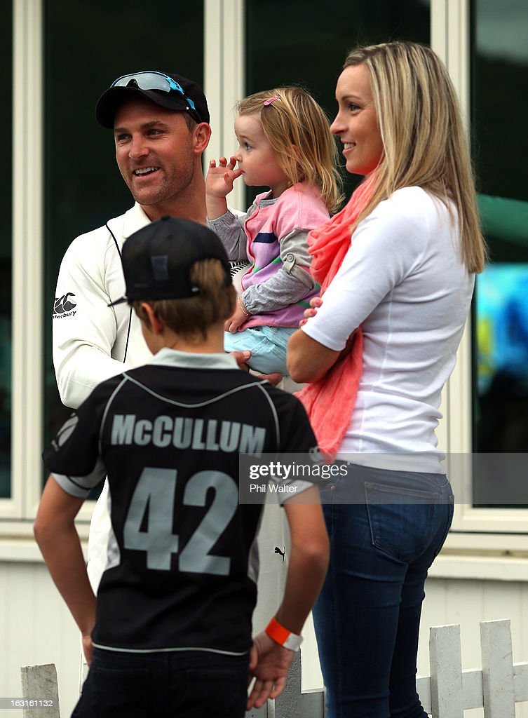 <a gi-track='captionPersonalityLinkClicked' href=/galleries/search?phrase=Brendon+McCullum&family=editorial&specificpeople=208154 ng-click='$event.stopPropagation()'>Brendon McCullum</a> of New Zealand stands with his family as bad light postpones the start of play during day one of the First Test match between New Zealand and England at University Oval on March 6, 2013 in Dunedin, New Zealand.