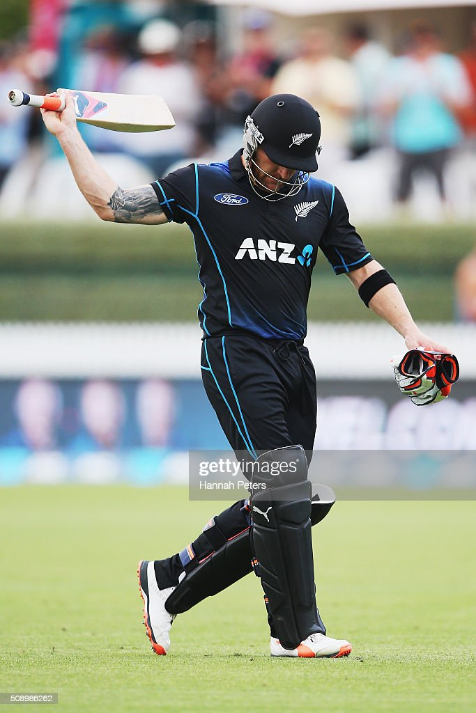 <a gi-track='captionPersonalityLinkClicked' href=/galleries/search?phrase=Brendon+McCullum&family=editorial&specificpeople=208154 ng-click='$event.stopPropagation()'>Brendon McCullum</a> of the Black Caps acknowledges the crowd for the final time after being dismissed during the 3rd One Day International cricket match between the New Zealand Black Caps and Australia at Seddon Park on February 8, 2016 in Hamilton, New Zealand.