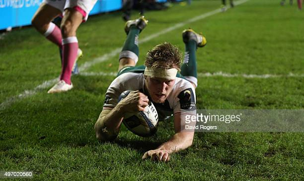 Brendon O'Connor of Leicester dives in for a try during the Eurpean Rugby Champions Cup match between Leicester Tigers and Stade Francais at Welford...
