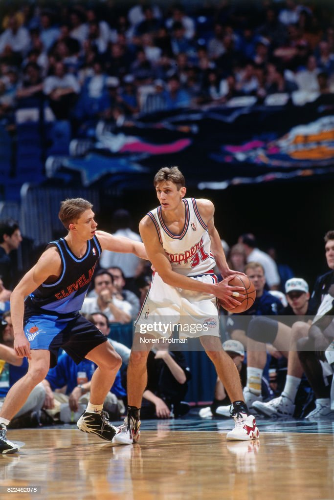 Brent Barry #31 of the Los Angeles Lakers looks to pass during the 1996 Rookie Challenge played February 10, 1996 at the Alamodome in San Antonio, Texas.