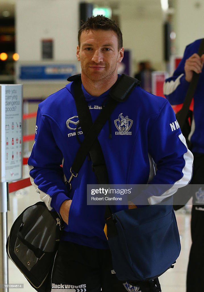 <a gi-track='captionPersonalityLinkClicked' href=/galleries/search?phrase=Brent+Harvey&family=editorial&specificpeople=214661 ng-click='$event.stopPropagation()'>Brent Harvey</a> of the Kangaroos arrives at Melbourne Airport on September 7, 2012 in Melbourne, Australia.