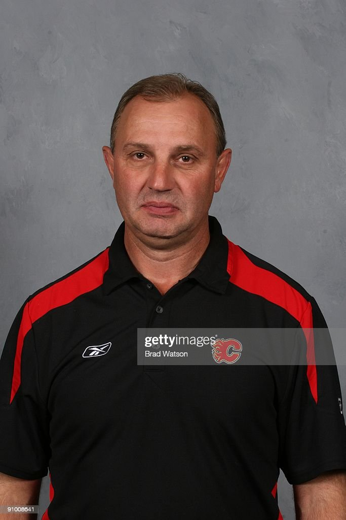 <a gi-track='captionPersonalityLinkClicked' href=/galleries/search?phrase=Brent+Sutter&family=editorial&specificpeople=1045160 ng-click='$event.stopPropagation()'>Brent Sutter</a> of the Calgary Flames poses for his official headshot for the 2009-2010 NHL season.