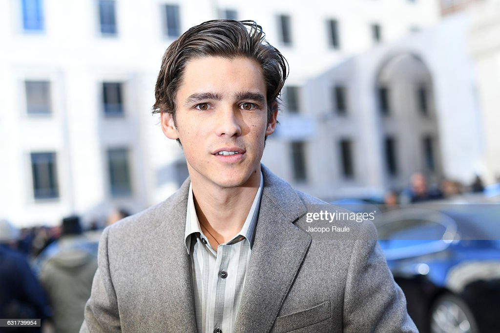 brenton single men 10 april 2018 brenton thwaites and indiana evans photos, news and gossip find out more about.