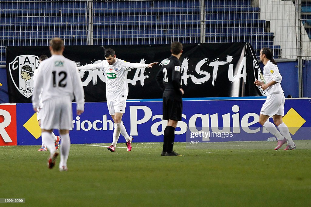 Brest's Dutchman forward Charlison Benschop (2ndL) celebrates after scoring a goal during the French football Cup match CA Bastia (CAB) vs Brest (SB29) at the Armand Cesari stadium in Bastia, French Mediterranean island of Corsica, on January 23, 2013.