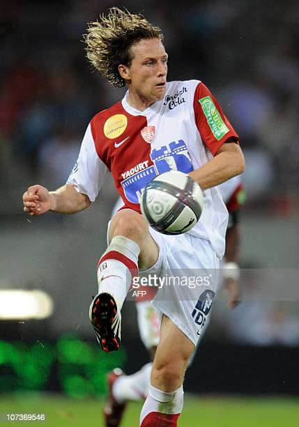 Brest's forward Licka Mario passes the ball during the French L1 football match Toulouse versus Brest on August 7 2010 in the Stadium Municipal in...