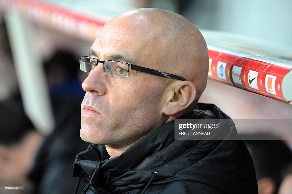 Brest's French coach Landry Chauvin looks on during a French L1 football match between Brest and Nice at the Francis Le Ble stadium on February 2, 2013 in Brest, western France. AFP PHOTO / FRED TANNEAU