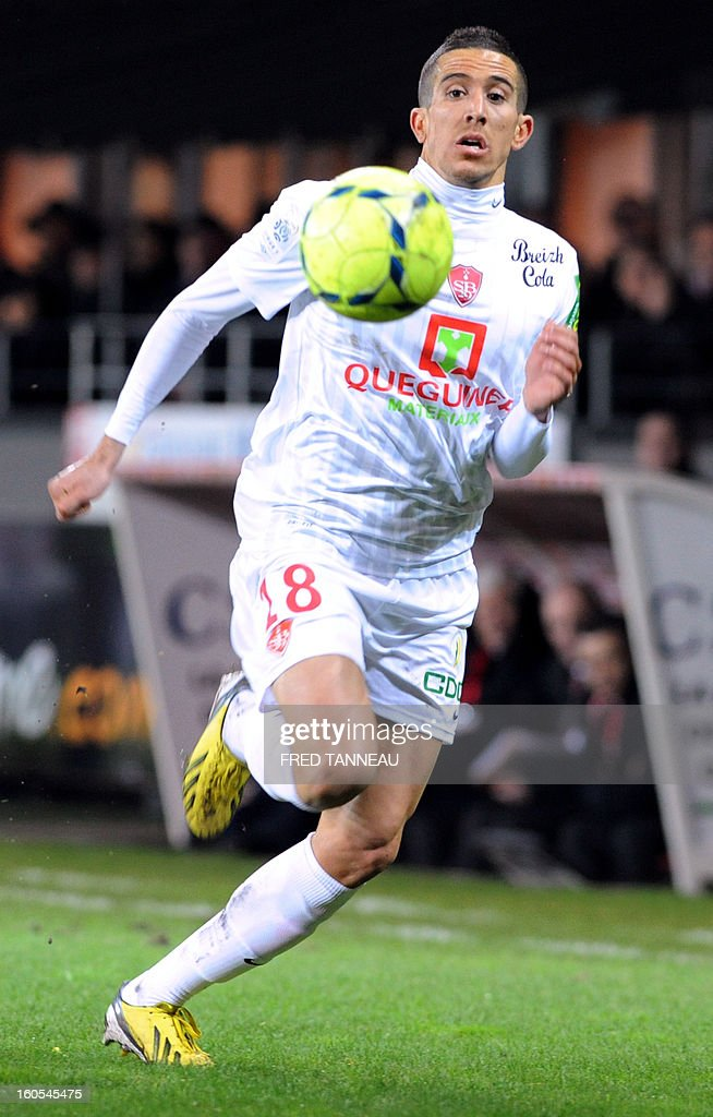 Brest's French midfielder Florian Raspentino runs for the ball during a French L1 football match between Brest and Nice at the Francis Le Ble stadium on February 2, 2013 in Brest, western France.