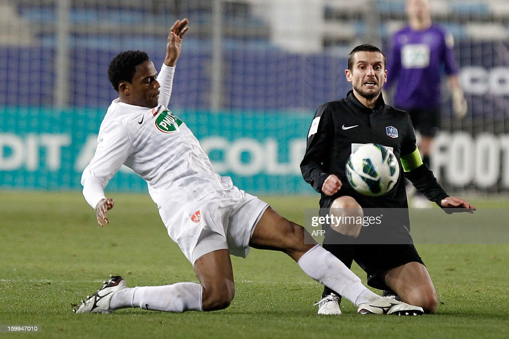 Brest's French midfielder Tripy Makonda (L) vies with CAB's Romain Pastorelli during the French football Cup match CA Bastia (CAB) vs Brest (SB29) at the Armand Cesari stadium in Bastia, French Mediterranean island of Corsica, on January 23, 2013.