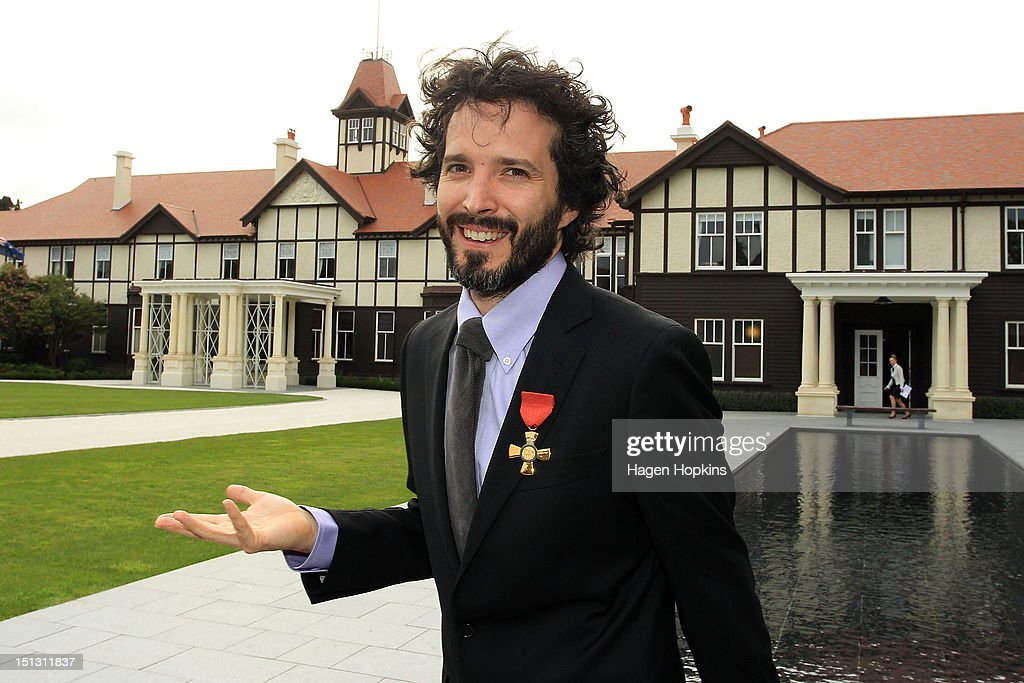<a gi-track='captionPersonalityLinkClicked' href=/galleries/search?phrase=Bret+McKenzie&family=editorial&specificpeople=4329701 ng-click='$event.stopPropagation()'>Bret McKenzie</a> poses after receiving the Insignia of the Queen's Service Order during the Governor General's biennial Investiture Ceremonies held for recipients of the New Year and Queen's Birthday honours at Government House on September 6, 2012 in Wellington, New Zealand.