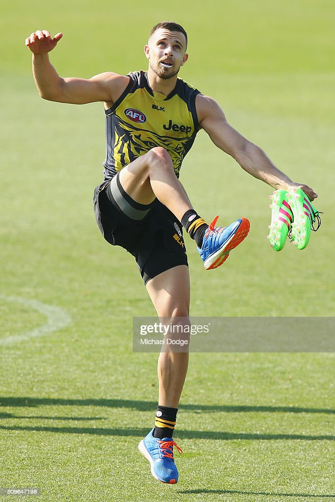 <a gi-track='captionPersonalityLinkClicked' href=/galleries/search?phrase=Brett+Deledio&family=editorial&specificpeople=524933 ng-click='$event.stopPropagation()'>Brett Deledio</a> of the Tigers kicks the ball before the Richmond Tigers AFL intra-club match at Punt Road Oval on February 12, 2016 in Melbourne, Australia.
