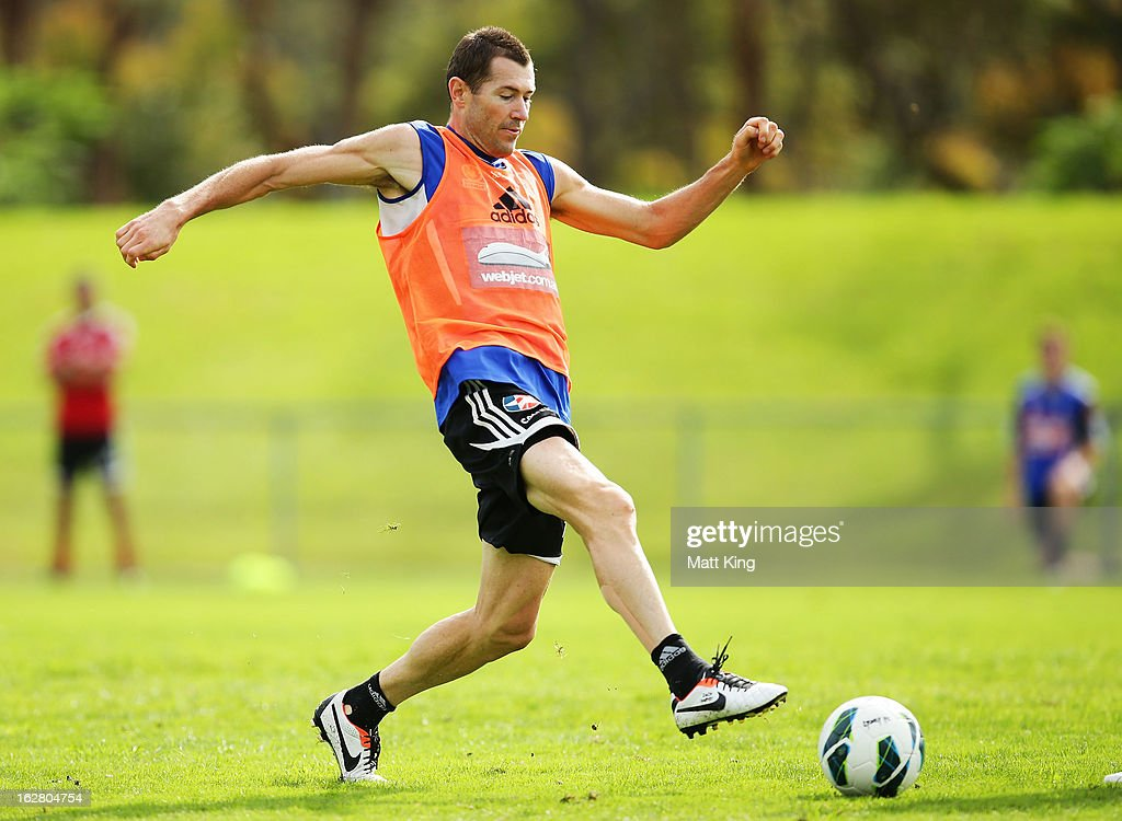 <a gi-track='captionPersonalityLinkClicked' href=/galleries/search?phrase=Brett+Emerton&family=editorial&specificpeople=206493 ng-click='$event.stopPropagation()'>Brett Emerton</a> controls the ball during a Sydney FC A-League training session at Macquarie Uni on February 28, 2013 in Sydney, Australia.