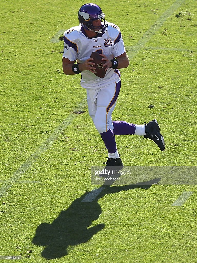 Brett Favre #4 of the Minnesota Vikings drops back for a pass against the San Francisco 49ers during an NFL pre-season game at Candlestick Park on August 22, 2010 in San Francisco, California.