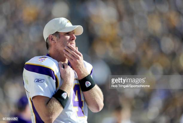 Brett Favre of the Minnesota Vikings looks on against the Pittsburgh Steelers at Heinz Field on October 25 2009 in Pittsburgh Pennsylvania The...