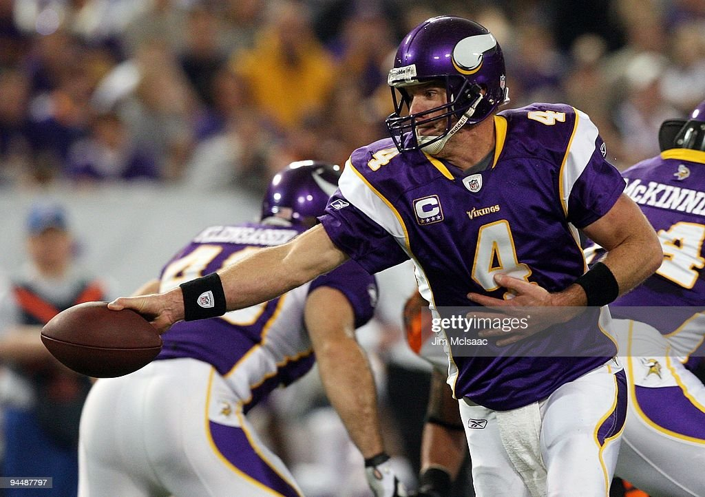 Brett Favre #4 of the Minnesota Vikings looks to hand off the ball against the Cincinnati Bengals on December 13, 2009 at Hubert H. Humphrey Metrodome in Minneapolis, Minnesota. The Vikings defeated the Bengals 30-10.