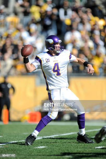 Brett Favre of the Minnesota Vikings passes against the Pittsburgh Steelers at Heinz Field on October 25 2009 in Pittsburgh Pennsylvania The Steelers...