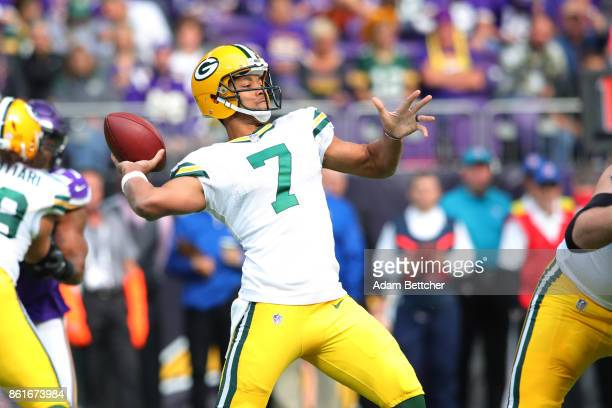 Brett Hundley of the Green Bay Packers passes during the second quarter of the game against the Minnesota Vikings on October 15 2017 at US Bank...