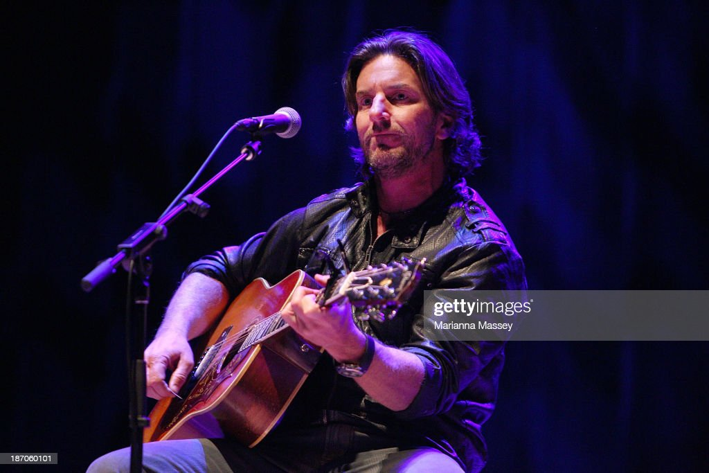 Brett James performs during the 2013 CMA Songwriters Series at the CMA Theater on November 5, 2013 in Nashville, Tennessee.