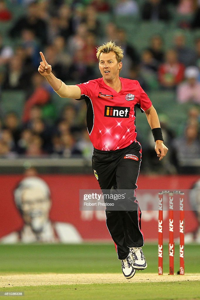<a gi-track='captionPersonalityLinkClicked' href=/galleries/search?phrase=Brett+Lee&family=editorial&specificpeople=169885 ng-click='$event.stopPropagation()'>Brett Lee</a> of the Sixers celebrates after taking the wicket of Luke Wright of the Stars during the Big Bash League match between the Melbourne Stars and the Sydney Sixers at Melbourne Cricket Ground on January 5, 2015 in Melbourne, Australia.