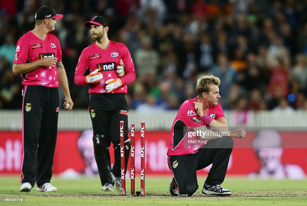 <a gi-track='captionPersonalityLinkClicked' href=/galleries/search?phrase=Brett+Lee&family=editorial&specificpeople=169885 ng-click='$event.stopPropagation()'>Brett Lee</a> of the Sixers looks dejected after the final ball during the Big Bash League final match between the Sydney Sixers and the Perth Scorchers at Manuka Oval on January 28, 2015 in Canberra, Australia.