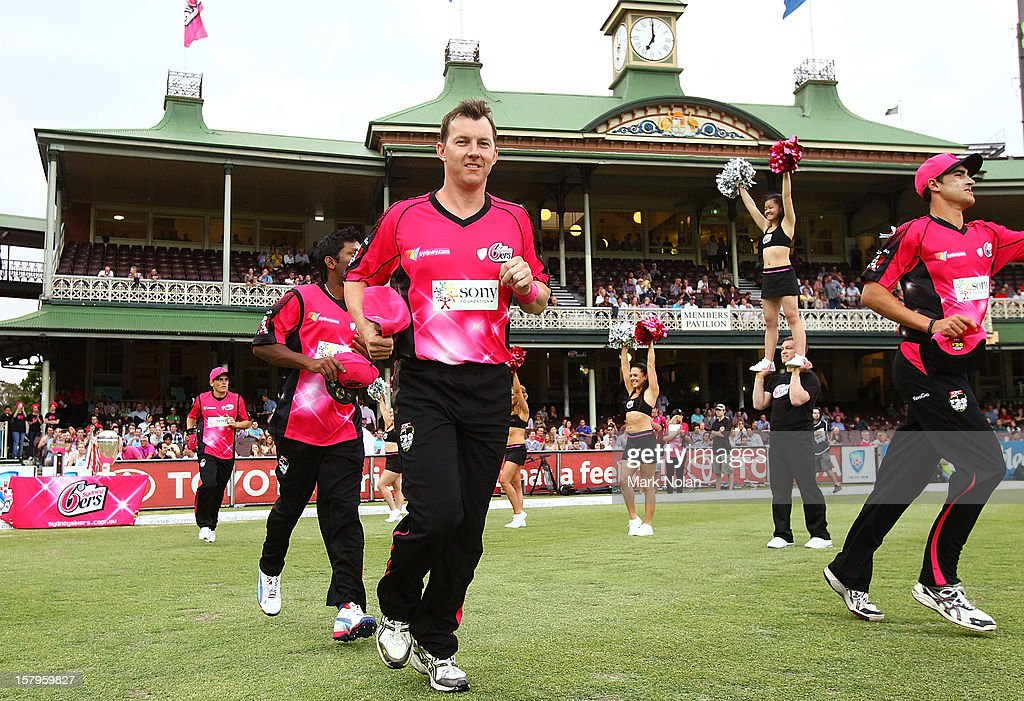 Brett Lee of the Sixers runs out onto the field before the Big Bash League match between the Sydney Sixers and the Sydney Thunder at Sydney Cricket Ground on December 8, 2012 in Sydney, Australia.